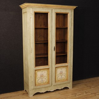 20th Century Italian Lacquered And Painted Vitrine