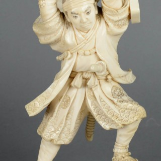 LOVELY QUALITY JAPANESE MEIJI PERIOD IVORY OKIMONO DEPICTING  A SAMURAI WARRIOR - SIGNED