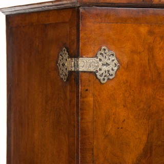 Good Quality Antique Walnut Cocktail Cabinet