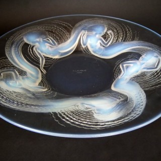 René Lalique Bowl with Opalescent Glass 'Calypso' Design
