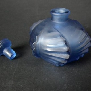 Rene Lalique Blue glass Glass 'Camille' Perfume bottle