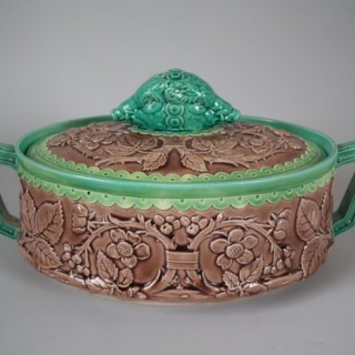 VPC Majolica wild boar game pie dish & cover