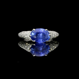 Hancocks Oval 4.76 carat Sapphire Ring with Pavé Diamond-set raised mount in Platinum