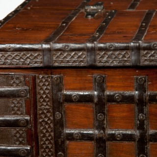 Early 19Th Century Elm Anglo-Indian Iron Strapped Chest – Trunk