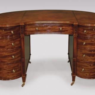 A fine quality 19th Century mahogany kidney shaped Pedestal Desk.