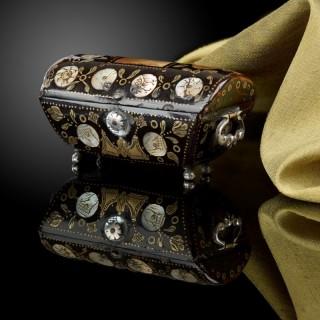Miniature tortoiseshell casket in the shape of a cassone