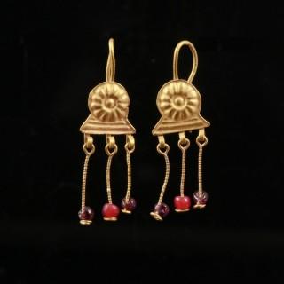 Roman Gold Daisy Earrings