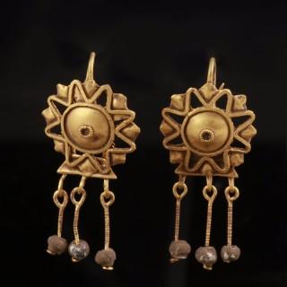 Stunning Roman Gold Star Earrings