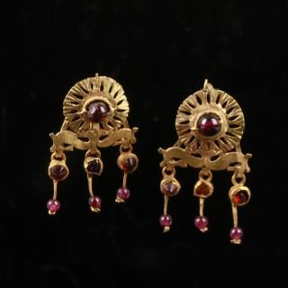 Intricate Roman Gold Earrings with Garnets