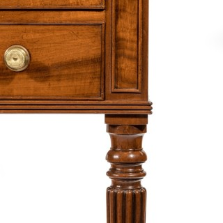 Mahogany dressing table attributed to Gillows of Lancaster