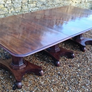 19th Century William IV Period Mahogany Antique Three Pedestal Dining Table