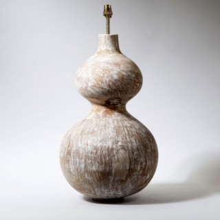 A DOUBLE GOURD LAMP