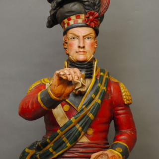 FINE 19TH CENTURY TOBACCONISTS' CARVED WOOD HIGHLANDER