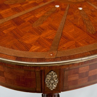 Fine Inlaid Kingwood Oval French Table With Mother of Pearl