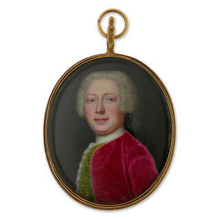 Portrait enamel of a Gentleman, wearing a pinkish-red coat and green embroidered waistcoat, his hair worn powdered and en queue, c.1740