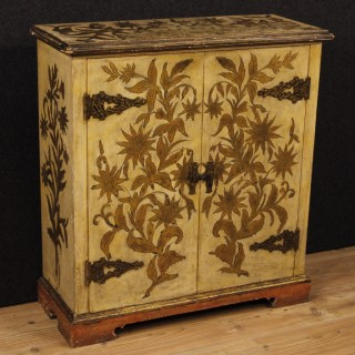 Spanish Sideboard In Lacquered And Gilt Wood With 2 Doors From 20th Century