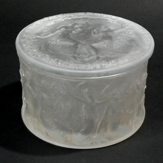 Rene Lalique Clear & frosted  Glass 'Figurines Et Voiles' Box