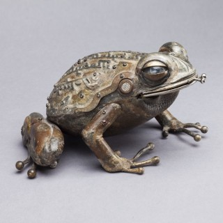 SCULPTURE OF A TOAD by MARTINET