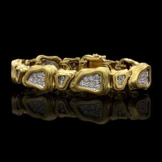 Crinnan Jewellery Ltd 18 Carat  Yellow and White Gold and Pavé Diamond Abstract Link Bracelet