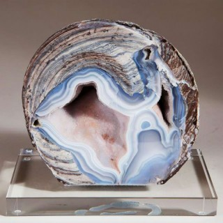 BLUE LACE AGATE STONE GEODE