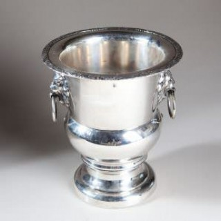 VINTAGE SILVER PLATED CAMPAGNA FORM WINE COOLER