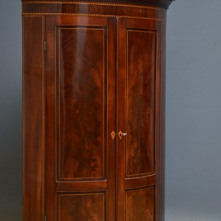 George III Corner Cupboard in Mahogany