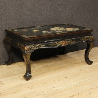 French Coffee Table In Lacquered, Gilt, Painted Chinoiserie Wood From 20th Century