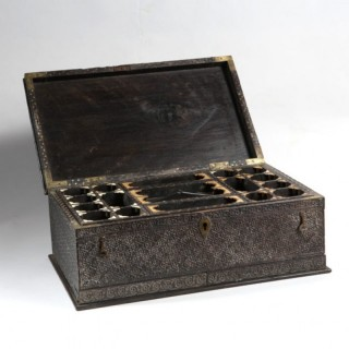 FINE ANTIQUE 19TH CENTURY INDIAN NAGINA EBONY DRESSING BOX