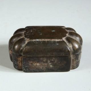 19TH CENTURY PATINATED BRONZE INDIAN BOX