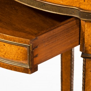 late Victorian oval burr elm  lamp table