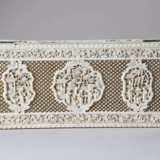 CHINESE EXPORT IVORY BOX