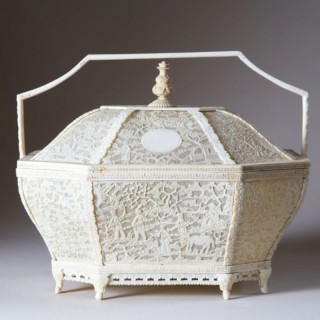 EARLY 19TH CENTURY LARGE CHINESE IVORY BASKET AND COVER