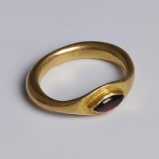 Roman Gold Ring with Garnet