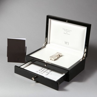 LIMITED EDITION SILVER DUNHILL 'GREAT GOLF COURSES OF THE WORLD' CASED CIGARETTE LIGHTER BY HAROLD RILEY