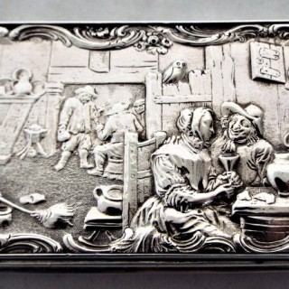 Cast topped Victorian silver snuff box London 1837 John Linnet