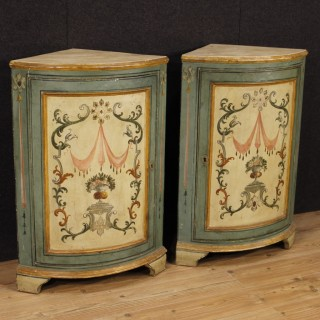 Pair Of Italian Corner Cupboards In Painted Wood In Louis XVI Style From 20th Century