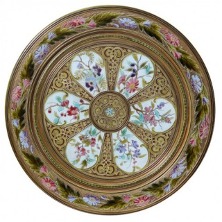 DECORATIVE 19TH CENTURY CHARGER IN THE MANNER OF MINTON