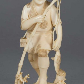 JAPANESE ONE PIECE IVORY OKIMONO FISHERMAN - SIGNED