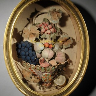 Very rare American Feltwork Shadow box , first half 19th. century,