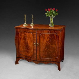 Early George III flame figured Mahogany Bombe Commode with ebony mouldings