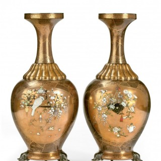 EXQUISITE PAIR OF JAPANESE GOLD LACQUER & SHIBAYAMA SILVER MOUNTED VASES