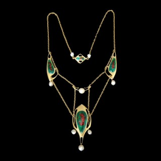 An Archibald Knox Liberty Cymric necklace