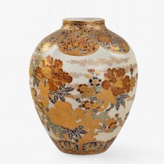 A Meiji period Satsuma earthenware vase, by Kazui