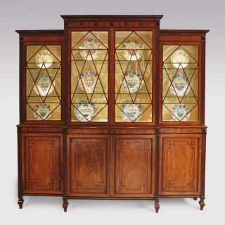 Early 19th Century Regency period mahogany Breakfront Bookcase in the style of Gillows of Lancaster