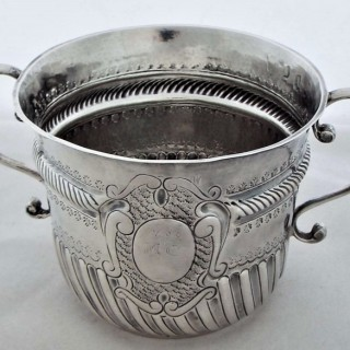 Nice Queen Anne Britannia silver porringer London 1706 Cory