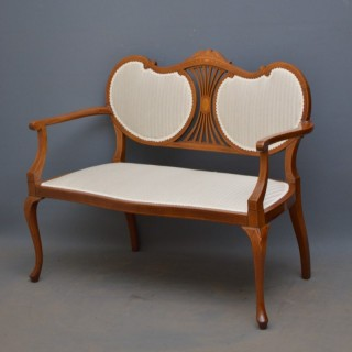 Attractive Edwardian Mahogany Sofa – Settee