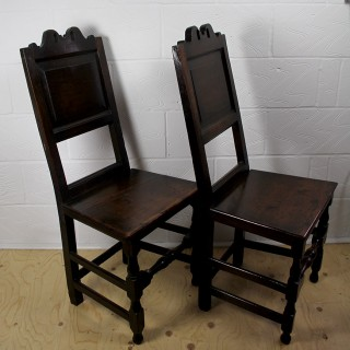 A PAIR OF OAK 17TH CENTURY CHAIRS