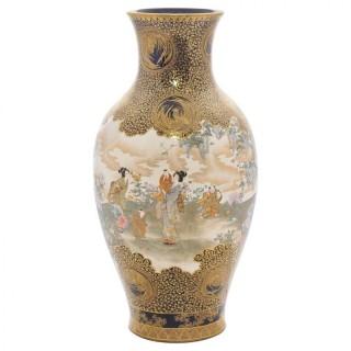 Large Kinkozan vase