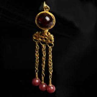 Roman Single Earring with Garnet
