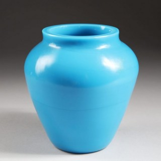 QING DYNASTY TURQUOISE PEKING GLASS VASE